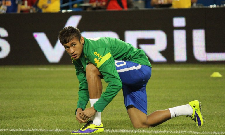 Neymar on the field in 2014