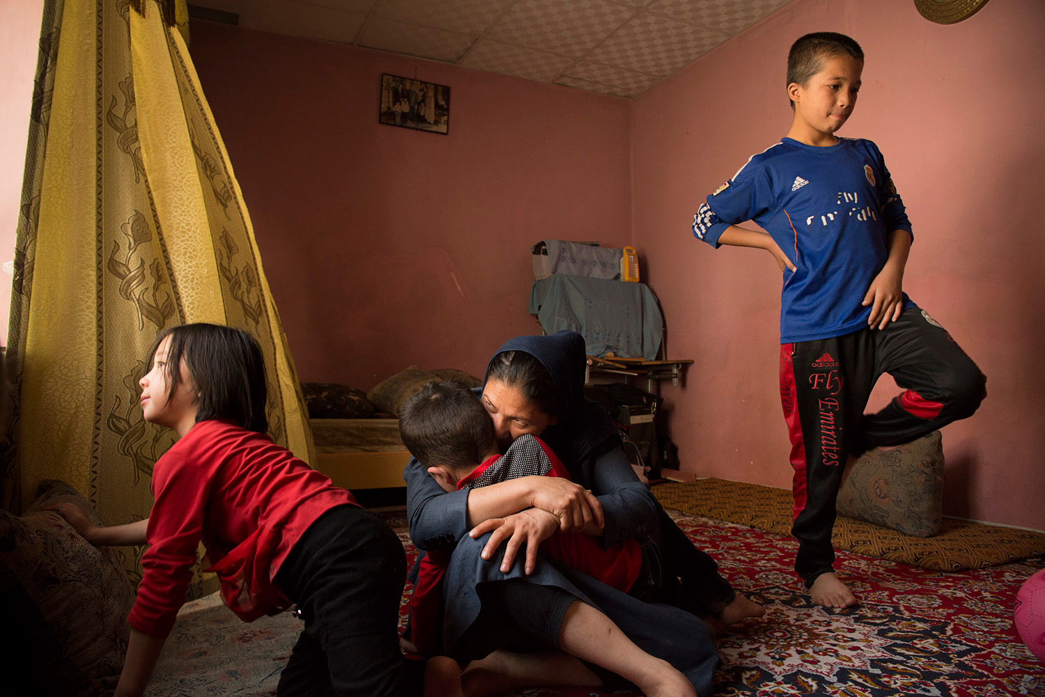 A Rare Intimate Look At The Lives Of Single Mothers In Afghanistan